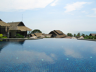 Hillside-pool-5.jpg